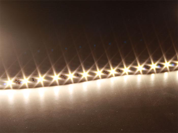 ROLLO TIRA DE LED AUTOADHESIVA BLANCO NEUTRO - IP20 - 300 LEDS 2835 POR ROLLO - 5 METROS