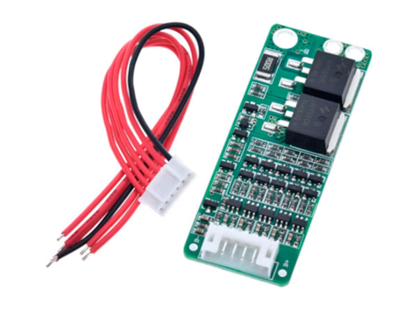 BMS - Protective Charger Module for 5 Lithium Ion 18650 Batteries - 18,5 V / 15 A