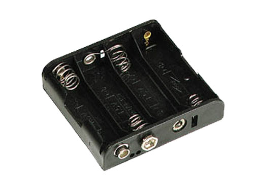 Battery holder for 4 AA batteries with clip