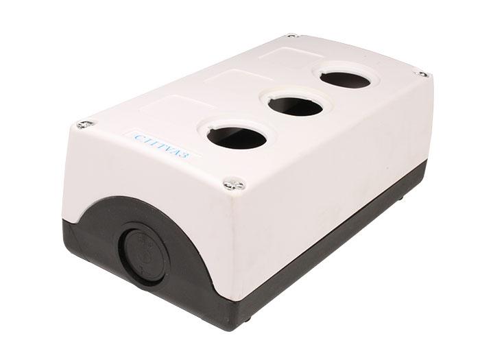 Caja de Control de Maniobra Vacía con 3 Agujeros de Ø22 mm - CX5-BOE3