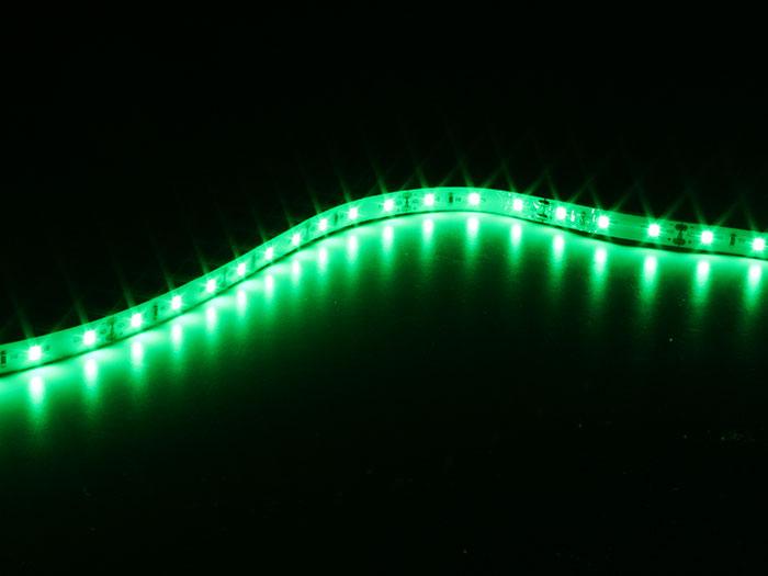 Rolo fita de LEDs autoadesiva verde - IP65 - 300 LEDs 2835 por rolo - 5 m