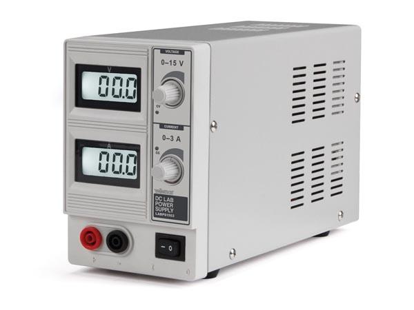 Fonte de alimentação laboratório 0-15 V - 0-3 A