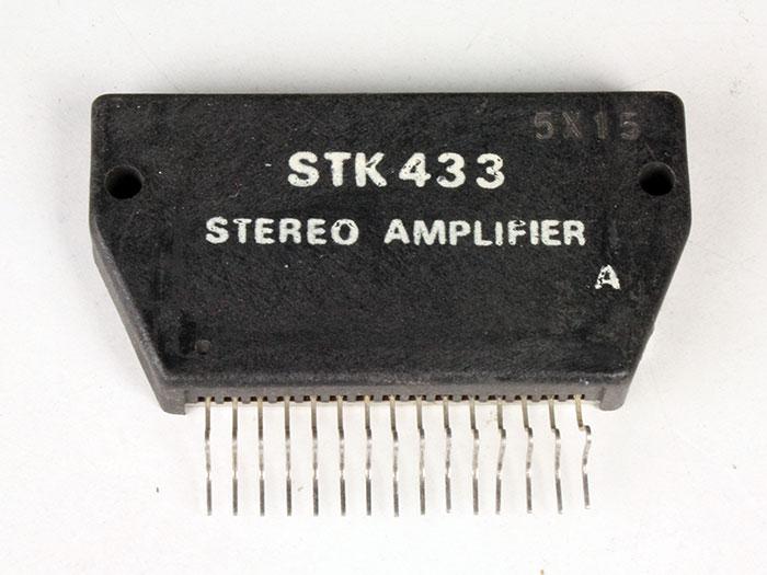STK433 - Amplificador de Potência Estéreo 7 W