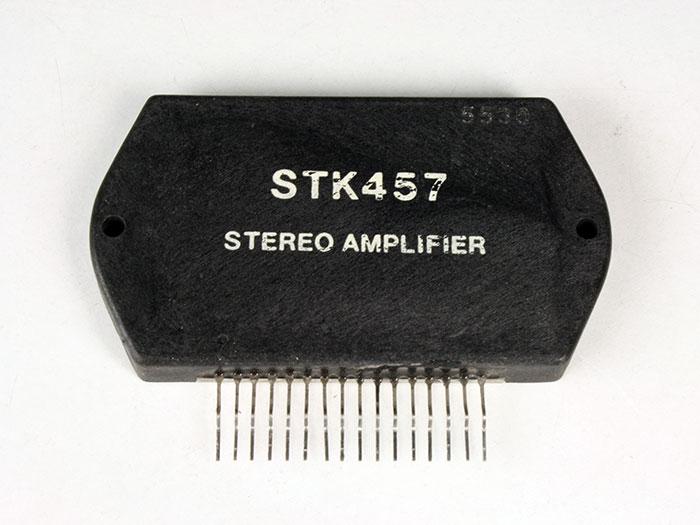 STK457 - Amplificador de Potência Estéreo 10 W